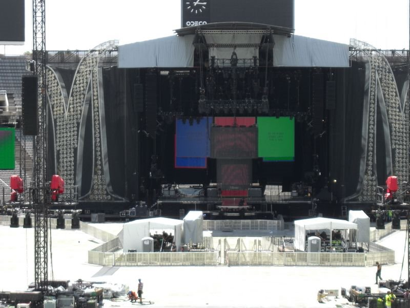 Escenario Sticky & Sweet Tour